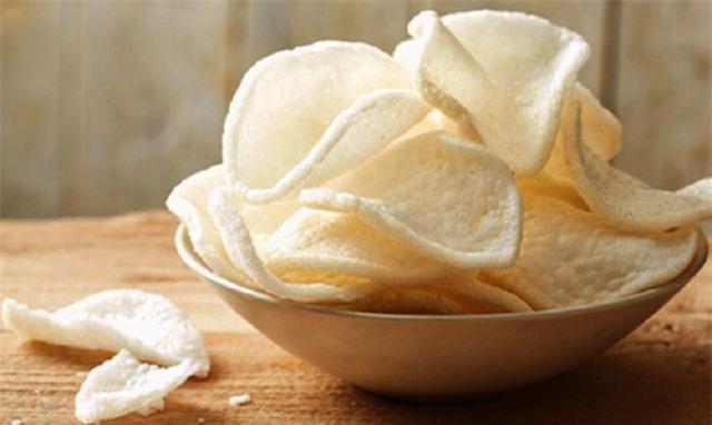 Thu trăm tỷ đồng mỗi năm nhờ đưa bánh phồng tôm ra thế giới