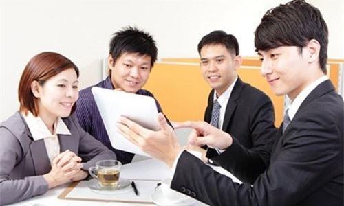 Trả lương 15.000 USD kèm ưu đãi mới tuyển được nhân sự cấp cao