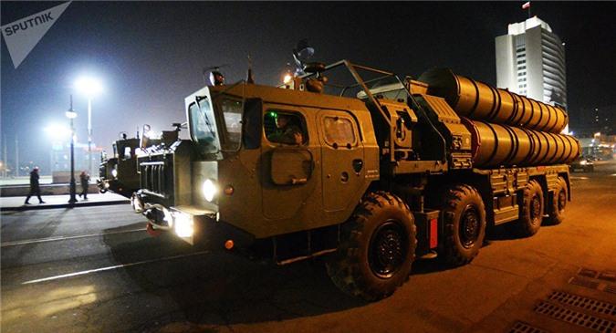 """""""Nể"""" Ấn Độ là đối tác chiến lược, Nga giảm giá bán tên lửa S-400"""