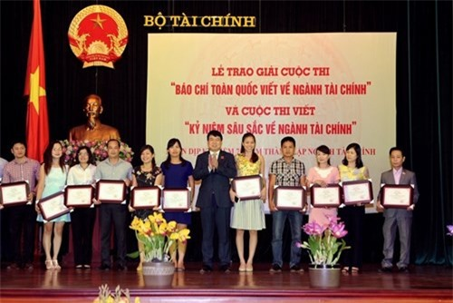 Bộ Tài chính tổ chức Lễ trao giải báo chí toàn quốc viết về ngành Tài chính năm 2018