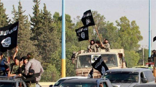 Kiệt quệ trước quân đội Syria, IS nhắm vào mỏ dầu ở Deir Ezzor
