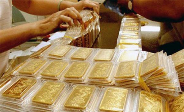 Giá vàng hôm nay 31/8: USD vững giá, vàng giảm suốt 5 tháng