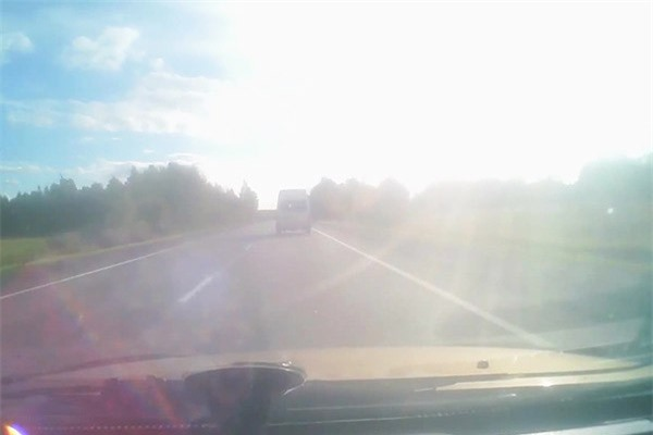 Clip: Buồn ngủ khi lái xe gây tai nạn kinh hoàng