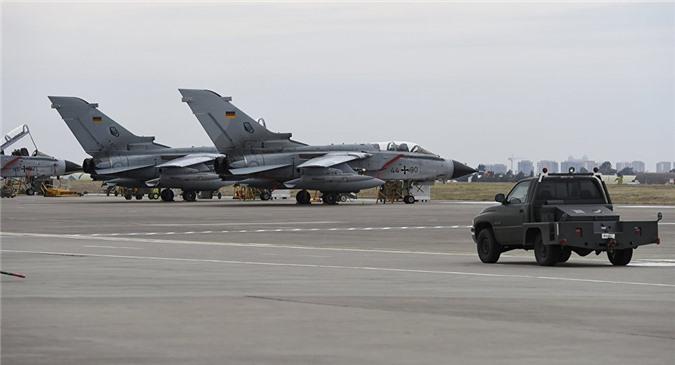 Đức có thể cùng Mỹ không kích Syria