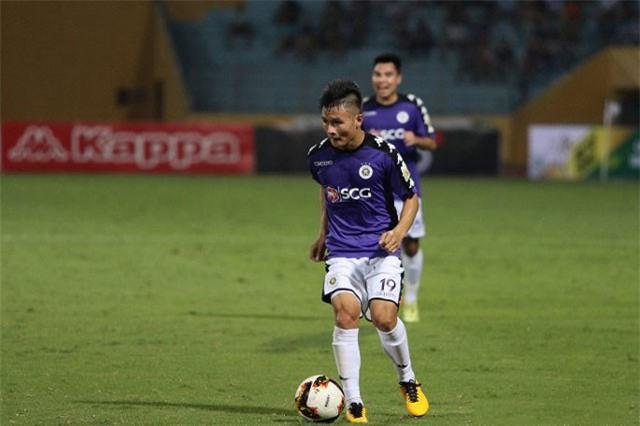 """BLV Quang Huy nhận xét """"sốc"""" về việc Quang Hải ra nước ngoài chơi bóng"""