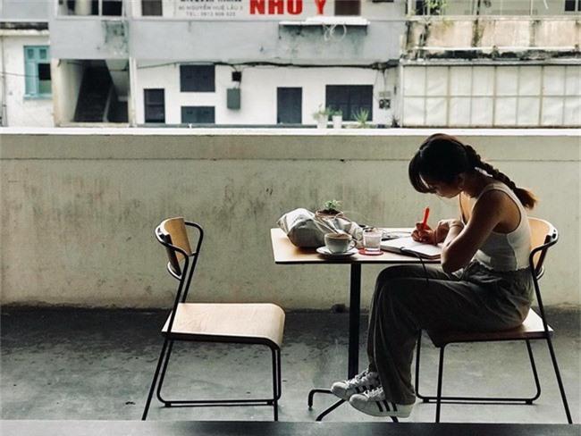 Dân sành cafe Sài Gòn chính hiệu mách bạn 5 địa chỉ thú vị để ngồi lì cả ngày không chán - Ảnh 13.
