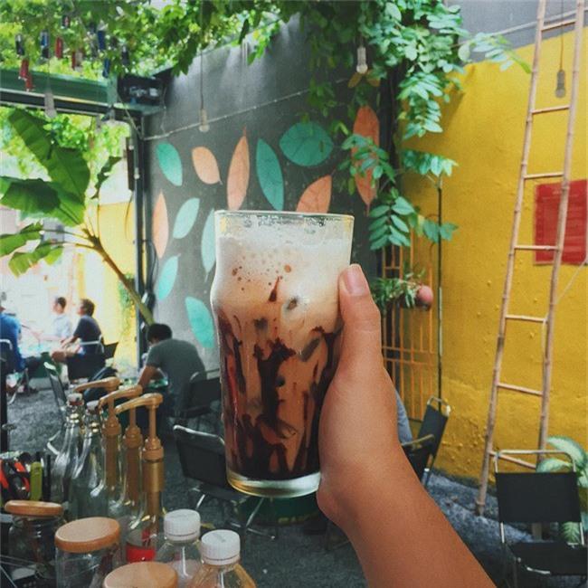 Dân sành cafe Sài Gòn chính hiệu mách bạn 5 địa chỉ thú vị để ngồi lì cả ngày không chán - Ảnh 5.