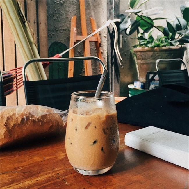 Dân sành cafe Sài Gòn chính hiệu mách bạn 5 địa chỉ thú vị để ngồi lì cả ngày không chán - Ảnh 6.
