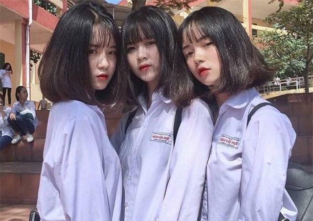 Bức ảnh 3 nữ sinh trường THPT Nguyễn Huệ (Yên Bái) hot trên Instagram vì ai cũng quá xinh