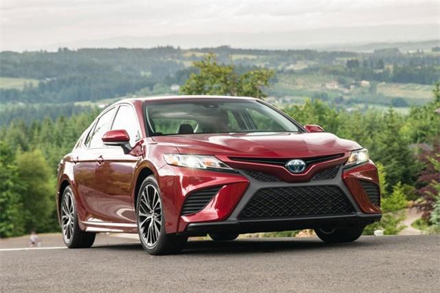 Top 10 thương hiệu ôtô bán chạy nhất thế giới: Toyota 'vô đối'