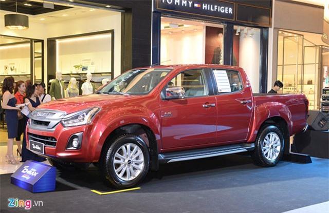 Isuzu ra mắt 2 mẫu xe mới tại Việt Nam