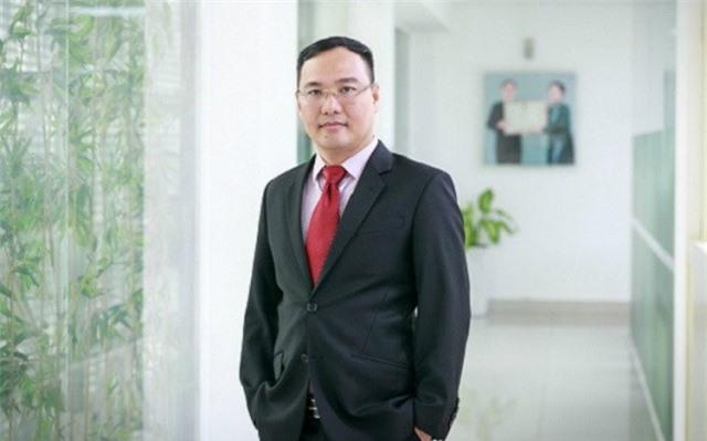 Trò chuyện cùng Chủ tịch Điện Quang Hồ Quỳnh Hưng