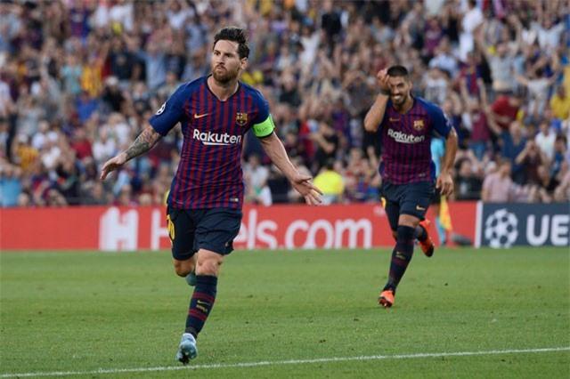 Clip: Messi lập hat-trick, Barca đại thắng PSV trong thế thiếu người