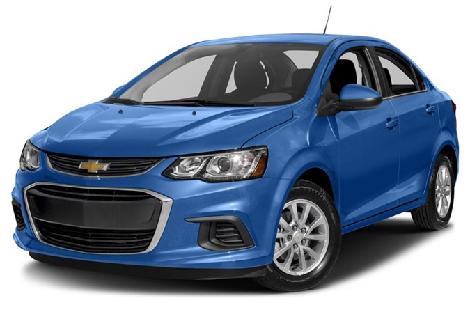 6. Chevrolet Sonic LS Manual Sedan 2018 (giá: 15.295 USD).