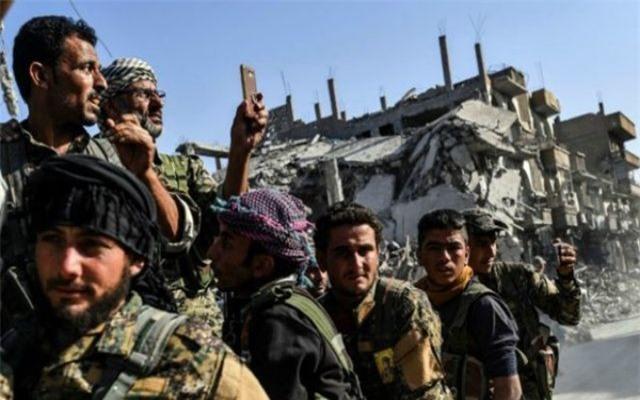 Mỹ tặng người Kurd vũ khí vô giá giữa căng thẳng Syria