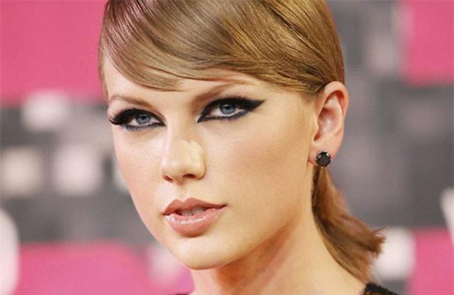 Taylor Swift chịu lỗ bán nhà để gần bạn trai
