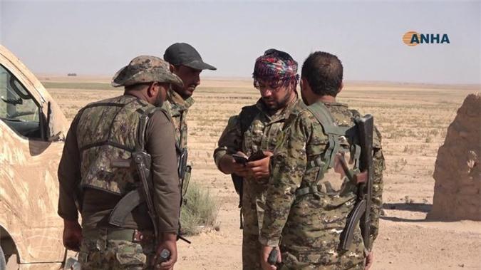 Syria: Ít nhất 50 tay súng IS cúi đầu trước SDF ở Đông Deir Ezzor
