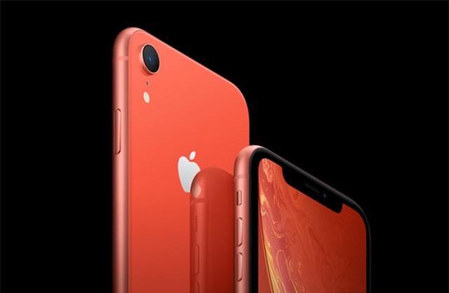 Apple 'âm mưu' gì khi bán iPhone XR muộn hơn iPhone Xs và iPhone Xs Max?
