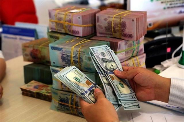 Giá USD tăng nhanh