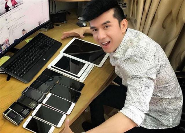 Đây là những sao Việt đầu tiên sở hữu siêu phẩm Iphone XS với giá cao kỷ lục
