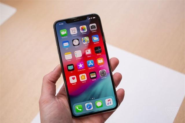 Người Việt làm việc 5 tháng, Thụy Sĩ 5 ngày mới đủ tiền mua iPhone XS