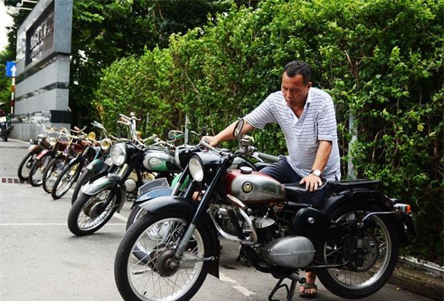 Choáng với gia tài 'khủng' 500 xe cổ của doanh nhân Sài Gòn
