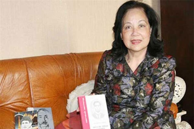 Hoa hậu đầu tiên của Sài Gòn và hoa hậu duy nhất là nhà thơ