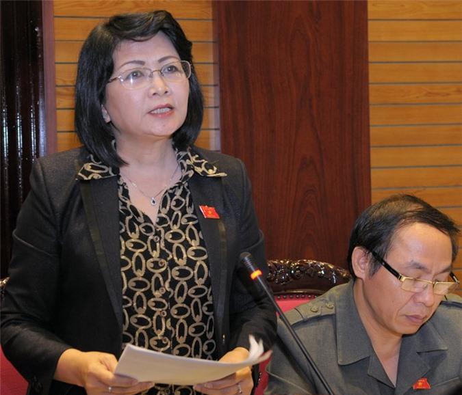 Bà Đặng Thị Ngọc Thịnh phát biểu tại một phiên họp của Quốc hội Khóa XIV. (Ảnh: VPQH)