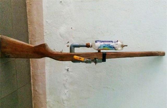 9X đi đường trúng đạn từ người đi săn chim