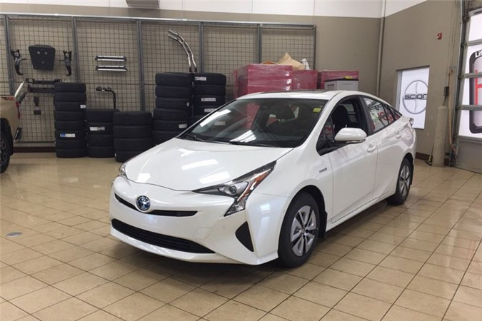 8. Toyota Prius (doanh số: 81.283 chiếc).