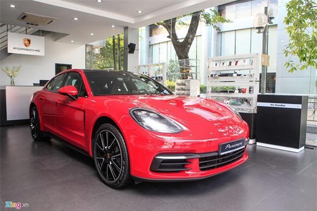 Chi tiết Porsche Panamera màu đỏ giá 6,3 tỷ đồng tại Việt Nam
