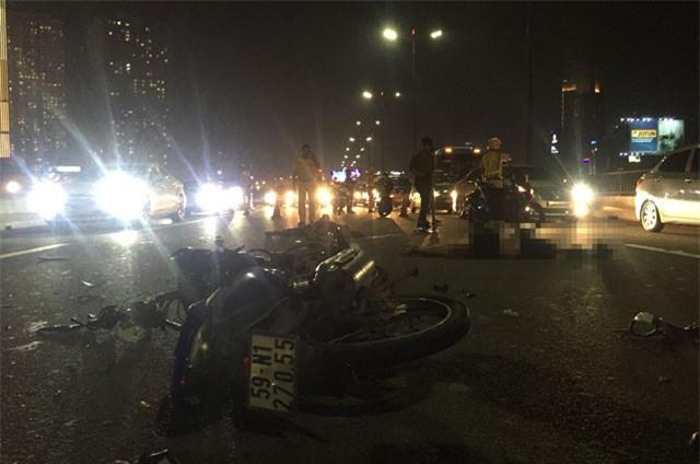 Đôi nam nữ chết thảm sau va chạm giao thông trên cầu Sài Gòn