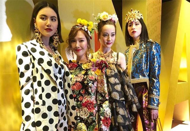 Dàn nữ thần châu Á đọ sắc trên sàn diễn show Dolce & Gabbana