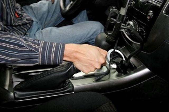Những thói quen vô tình gây hại cho hệ thống phanh ôtô
