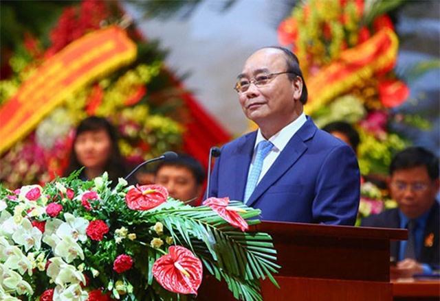 Thủ tướng Nguyễn Xuân Phúc: Chính phủ luôn chủ động đến với người lao động