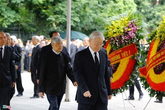 Tổng bí thư cùng các lãnh đạo viếng Chủ tịch nước Trần Đại Quang