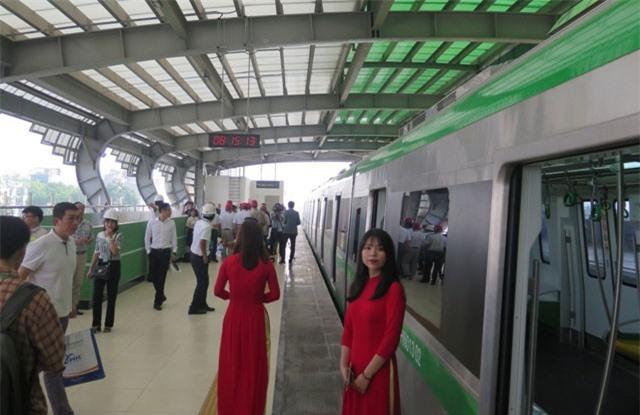 Giá vé đường sắt Cát Linh-Hà Đông cao hơn xe buýt bao nhiêu?