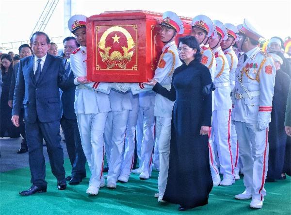 Lễ an táng Chủ tịch nước tại quê nhà