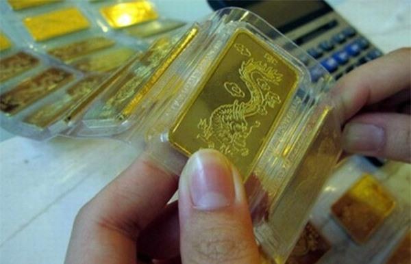 Giá vàng hôm nay (29/9): Bị 'vùi dập', thấp nhất 12 tháng qua