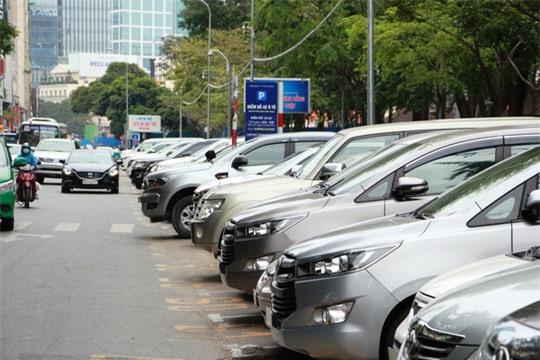 TP.HCM tăng phí giữ xe, xe máy và ô tô tính tiền theo giờ