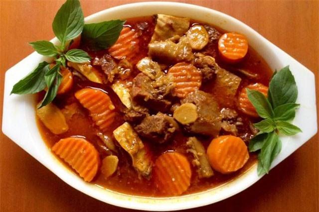 Clip: Công thức nấu bò kho ngon hơn đầu bếp nhà hàng năm sao