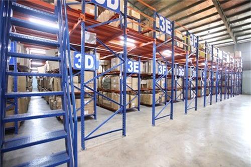 Các doanh nghiệp Logistics trong nước đang đối mặt với lượng hàng hóa khổng lồ, yêu cầu khắt khe của khách hàng và cạnh tranh cao từ các ngoại binh Logistics