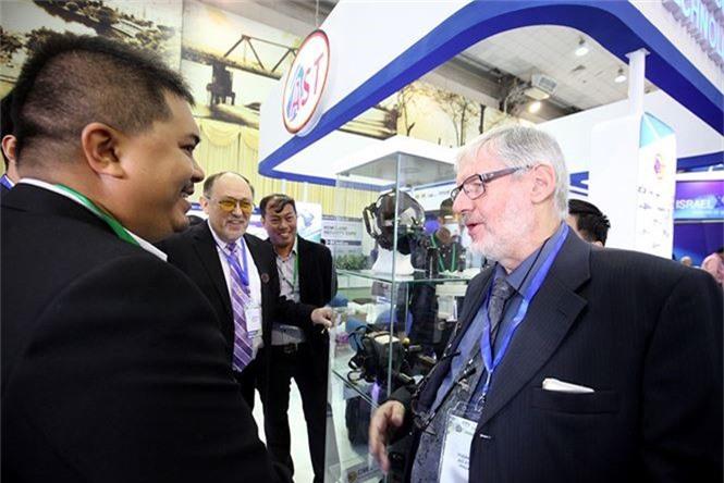 Dàn vũ khí tại triển lãm quốc tế về an ninh tại Hà Nội - ảnh 4
