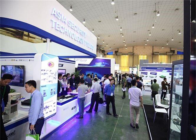 Dàn vũ khí tại triển lãm quốc tế về an ninh tại Hà Nội - ảnh 5
