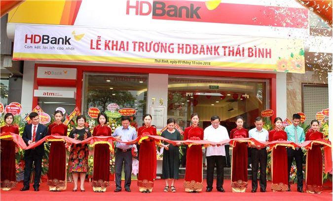 """HDBank đổ bộ về """"Quê hương năm tấn"""""""