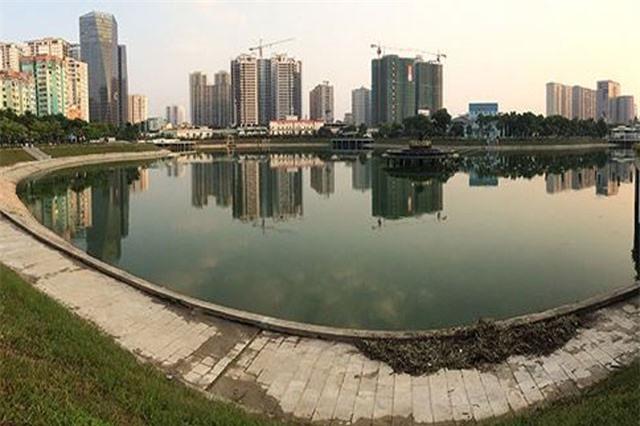 Hồ điều hoà công viên trăm tỷ mới khánh thành đã nổi váng, bốc mùi
