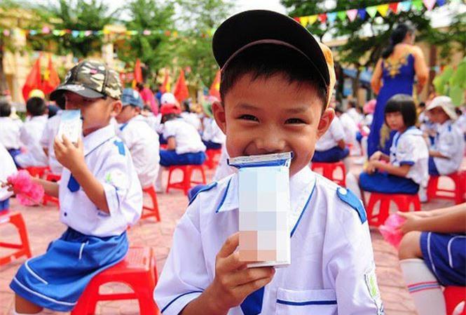 Sữa học đường: Ai hưởng lợi?