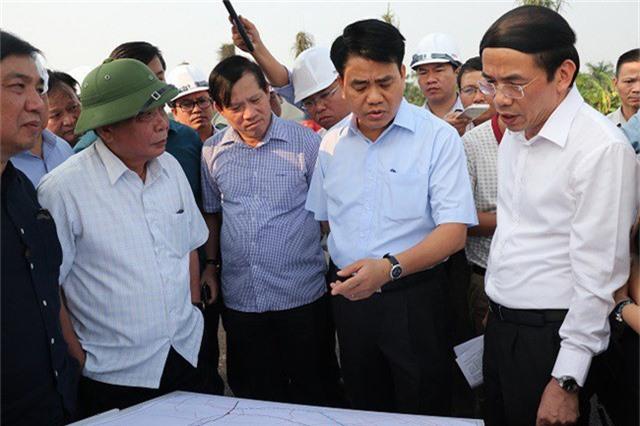 Chủ tịch UBND TP Hà Nội Nguyễn Đức Chung đánh giá, chỉ đạo về đường trục phía Nam (Hà Tây cũ) và dự án khu đô thị Thanh Hà