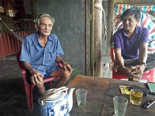 Ông Nguyễn Văn Tiền, ấp 1, xã Long Hậu, Cần Giuộc (Long An) than thở với chúng tôi việc Công ty Hai Thành L.A bồi thường đất với giá rẻ mạt (ảnh TM)