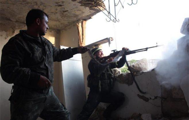 Syria: Vừa rút vũ khí hạng nặng, phiến quân đã nã đạn pháo từ vùng đệm Idlib